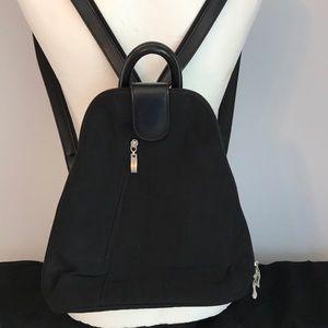 Baggallini backpack.